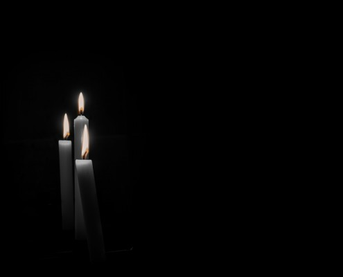 candles-633388_1920